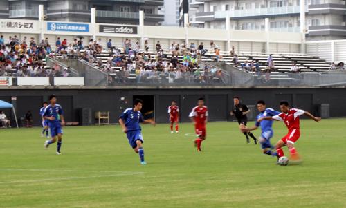 試合は30分ハーフで行われる。それ以外のルールは基本的にFIFAのサッカーと同じ