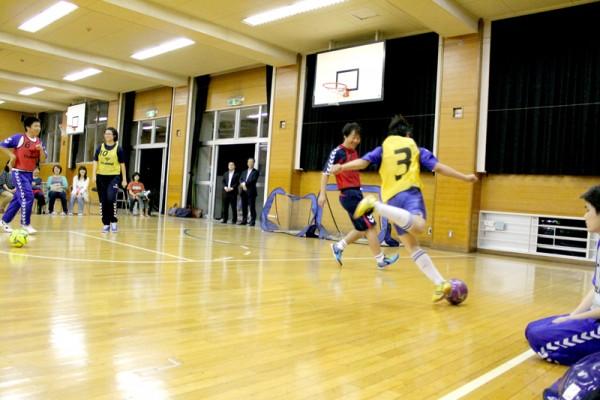トラッソスでは誰もが笑顔でサッカーを楽しんでいる